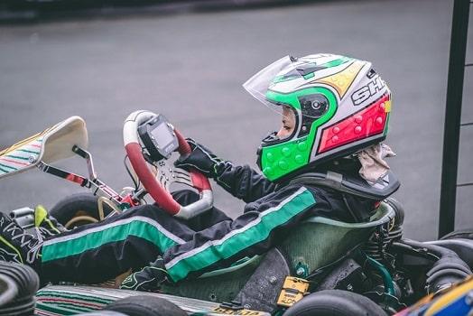 une pilote de karting